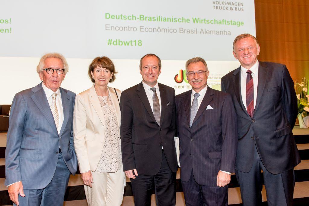LADW-Vorsitzender Andreas Renschler mit Prof. Kempf und anderen