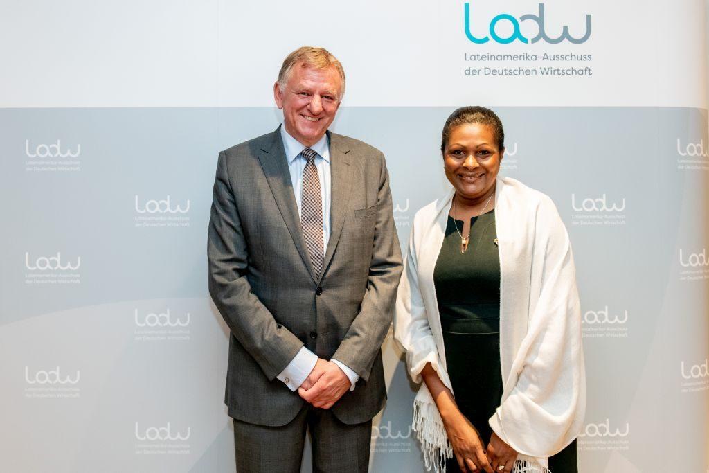 Außenministerin von St. Lucia Sarah Flood-Beaubrun