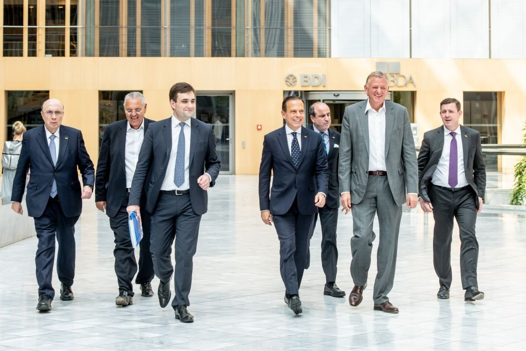 Gouverneur Doria und Delegation