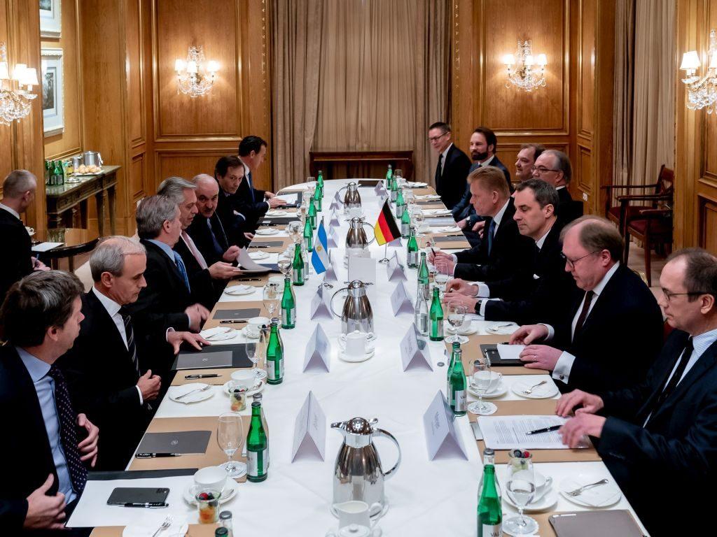 Präsident Fernández im Gespräch mit der deutschen Wirtschaft
